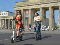 Touristen schätzen das Scooter-Angebot in der Berliner City