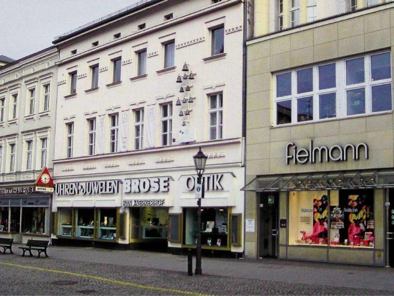 lebendiges denkmal berliner abendblatt alteingesessen altstadt altstadtmanagement andreas. Black Bedroom Furniture Sets. Home Design Ideas
