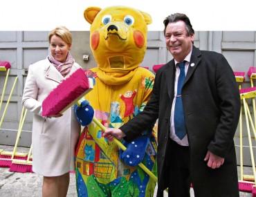 Bürgermeisterin lässt  Neuköllner zum Besen greifen