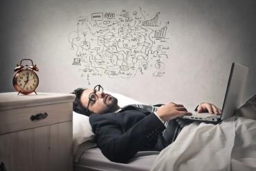 Für erholsamen Schlaf sorgen – Was die passende Matratze im Eigenheim ist, ist die Yogamatte auf der Arbeit