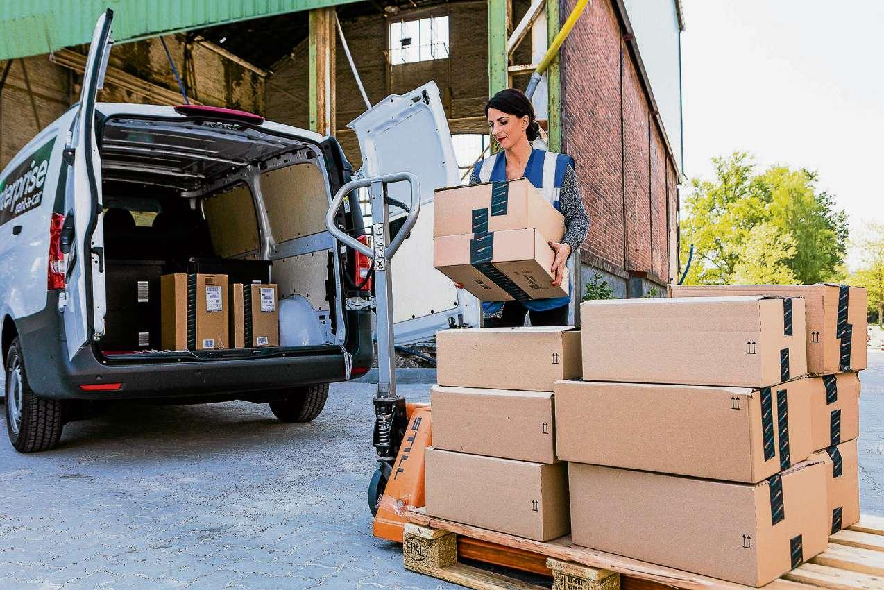 """Amazon verteilt und liefert aus """"Dock 100"""""""