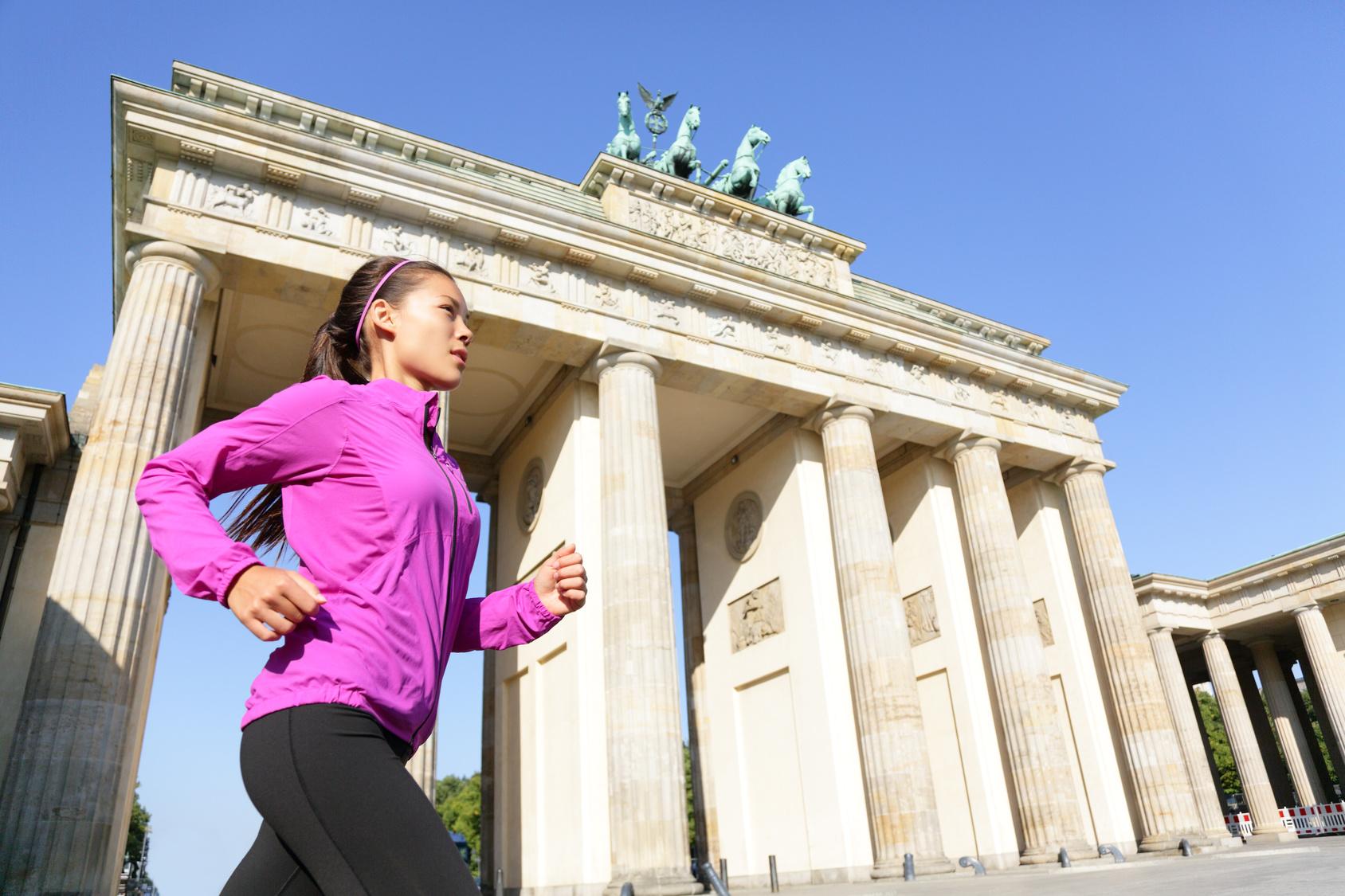 Laufschritt durch Berlin: Großstadt-Touren vorbei an Sehenswürdigkeiten und in die Natur
