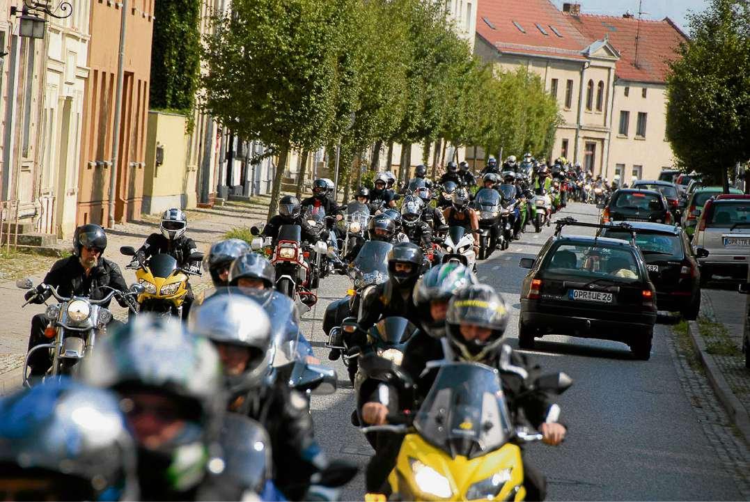 """Biken und spenden für den """"Sonnenhof"""""""