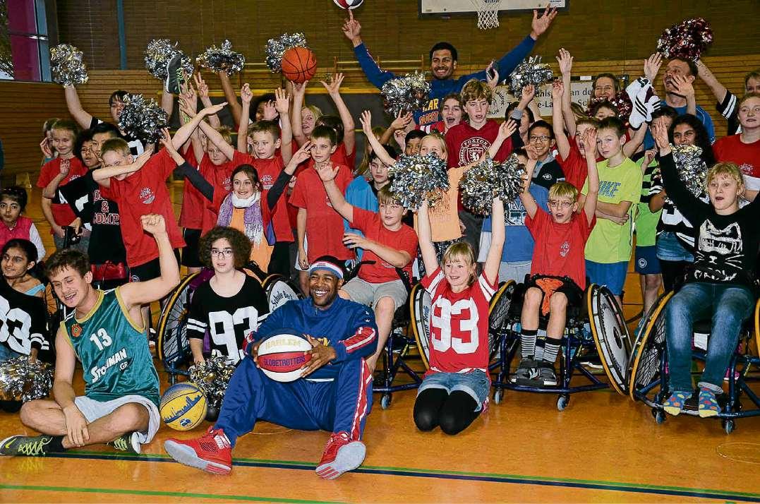 Im Rollstuhl gegen die Ballzauberer
