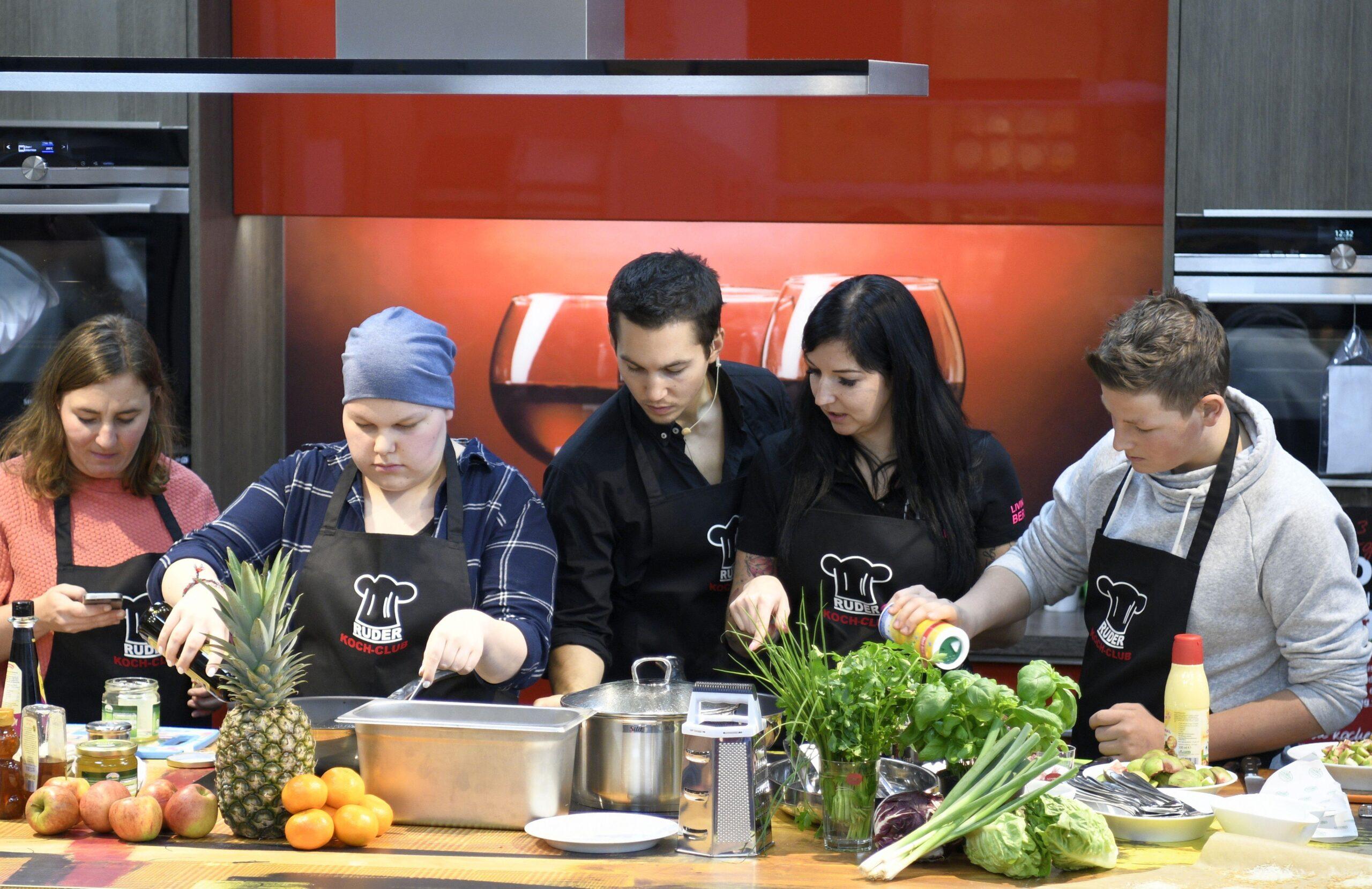 Promi-Kochevent bei Neueröffnung