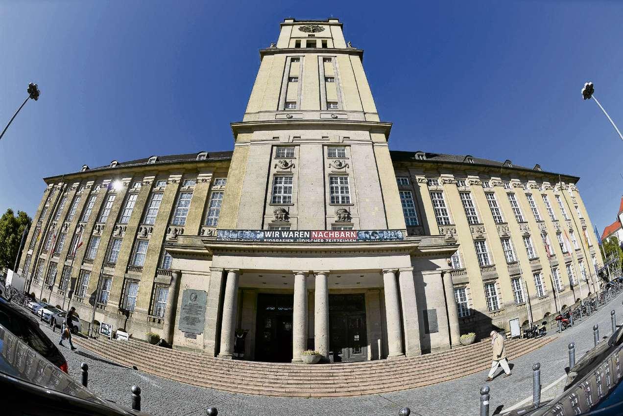 Barriere im Rathaus
