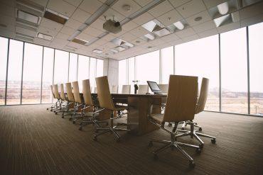 Rücken schonen: ergonomische Möbel für das Büro