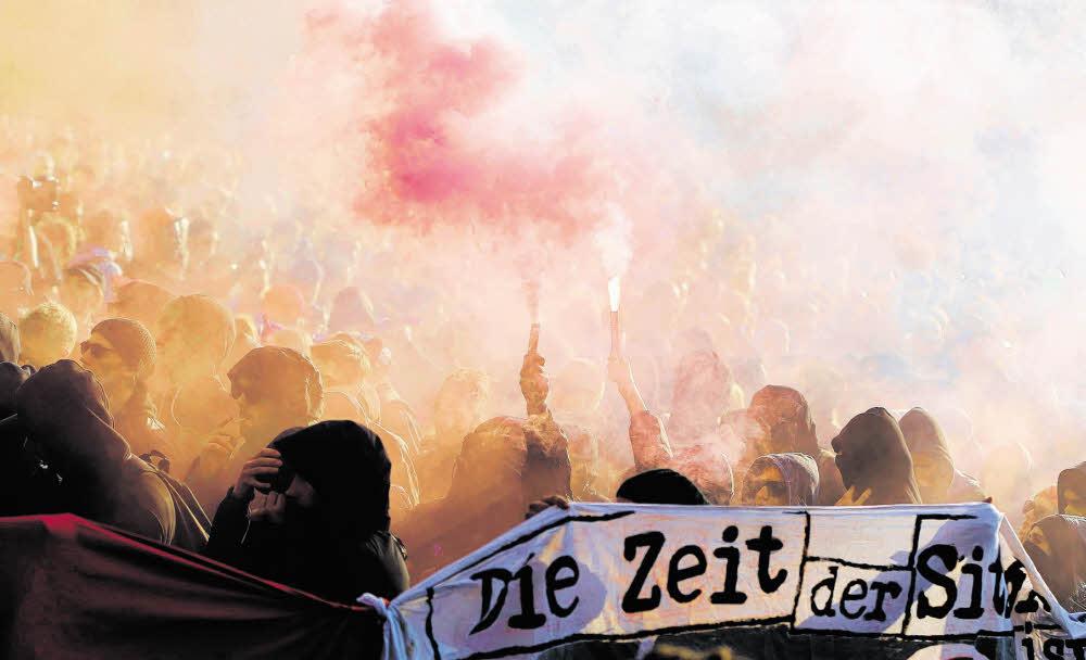 """Mai-Demo zieht durchs """"Myfest"""""""