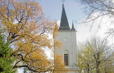 Über die Halbinsel zur Dorfkirche