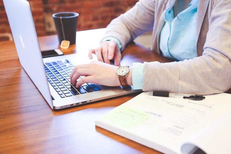 In Übungsfirmen den Berufsalltag kennenlernen