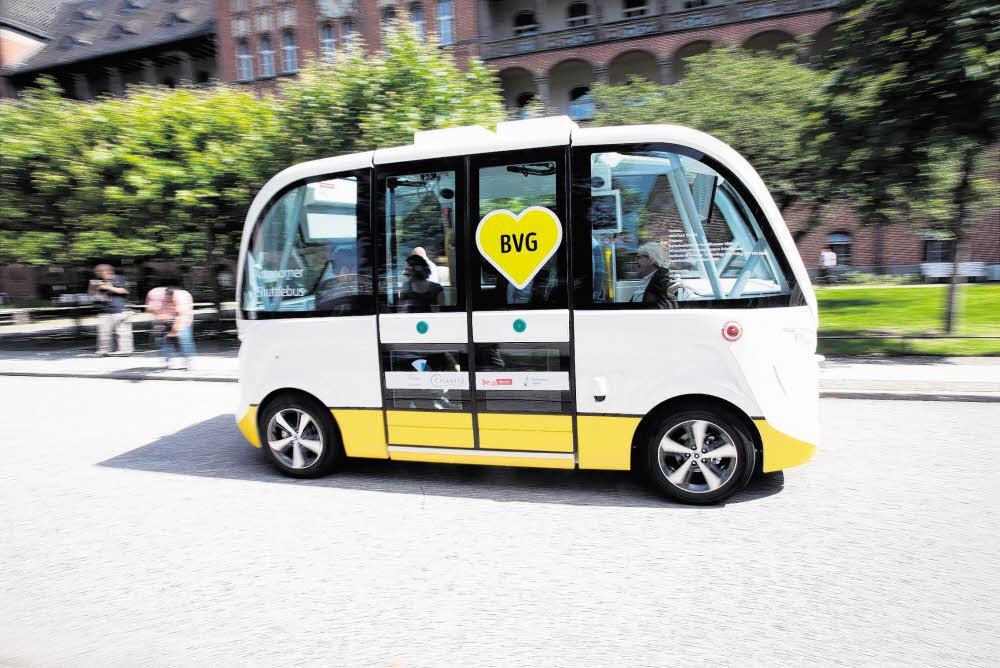 Autobus mal ganz autonom