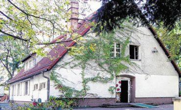 Bezirksamt rettet das Kunsthaus Flora