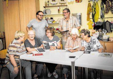 Die Cyber-Senioren holen Internet-Preis