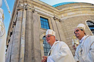 Streit um Kathedrale geht in nächste Runde