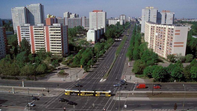 Mit der U-Bahn über die Landsberger