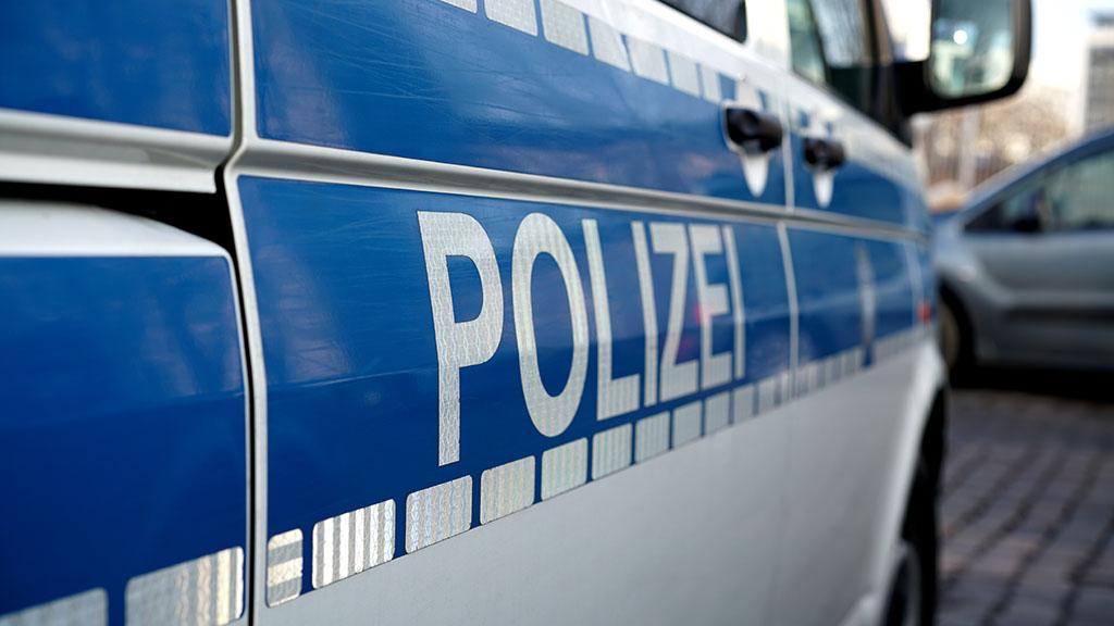 Taschenräuber verletzt zwei Frauen in Kreuzberg – Festnahme
