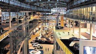 Mercedes-Welt wird digitaler