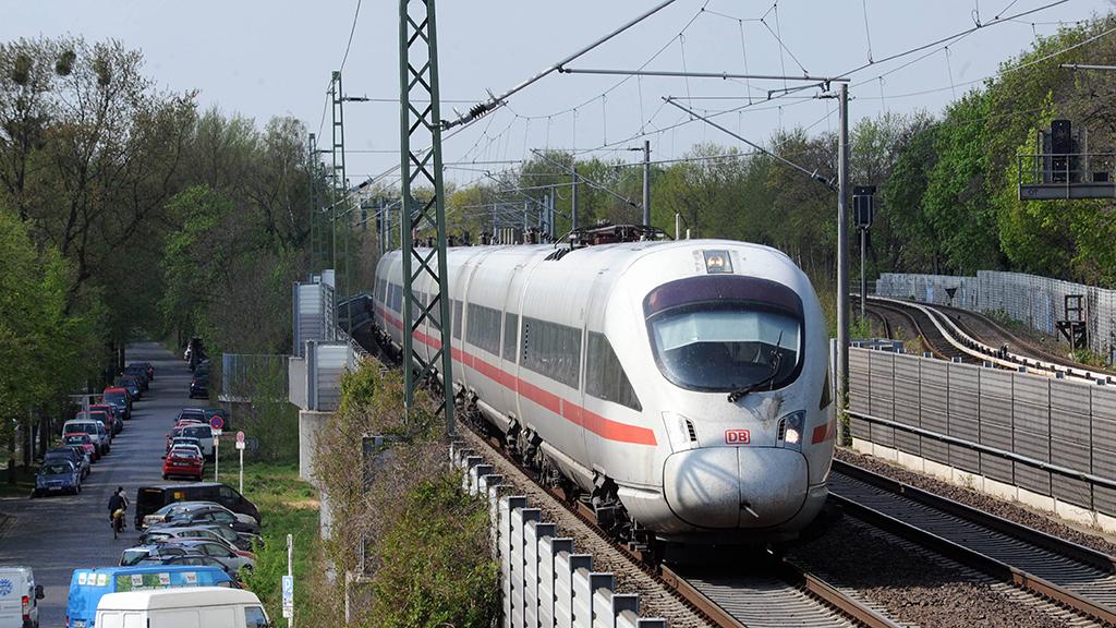 Lichterfelde-Süd: Protest gegen neue Schule am Gleis