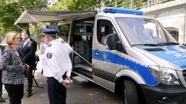 """Mobile Wachen eröffnet, """"wo die Berliner wohnen"""""""