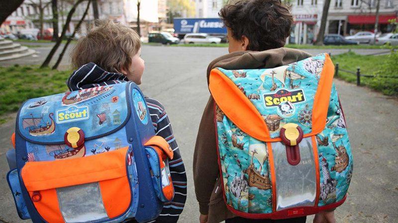 So erreichen Kinder auf eigenen Füßen die Schule