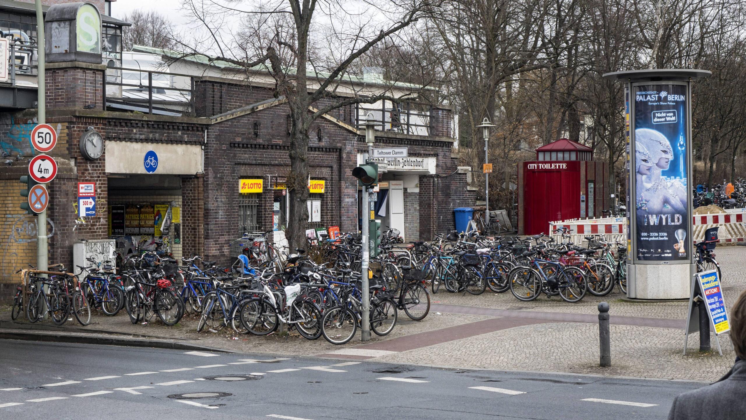 Zehlendorf: Dritter Bahnhofszugang könnte sich verzögern