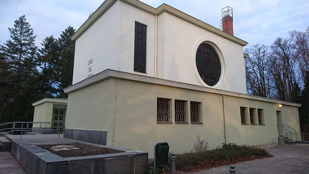 Feierhalle mit neuer Fassade