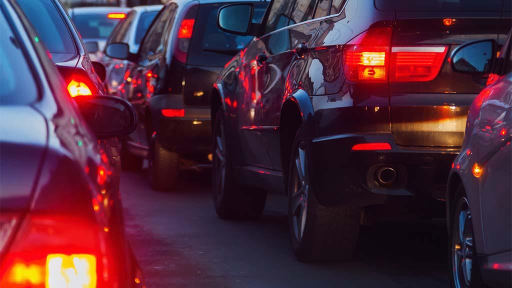 Rotlicht-Frust auf der Bundesstraße