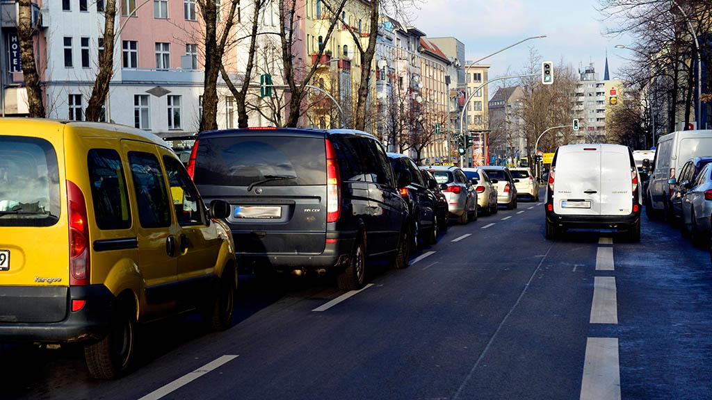 Schöneberg: Abgeschleppt auf der Hauptstraße