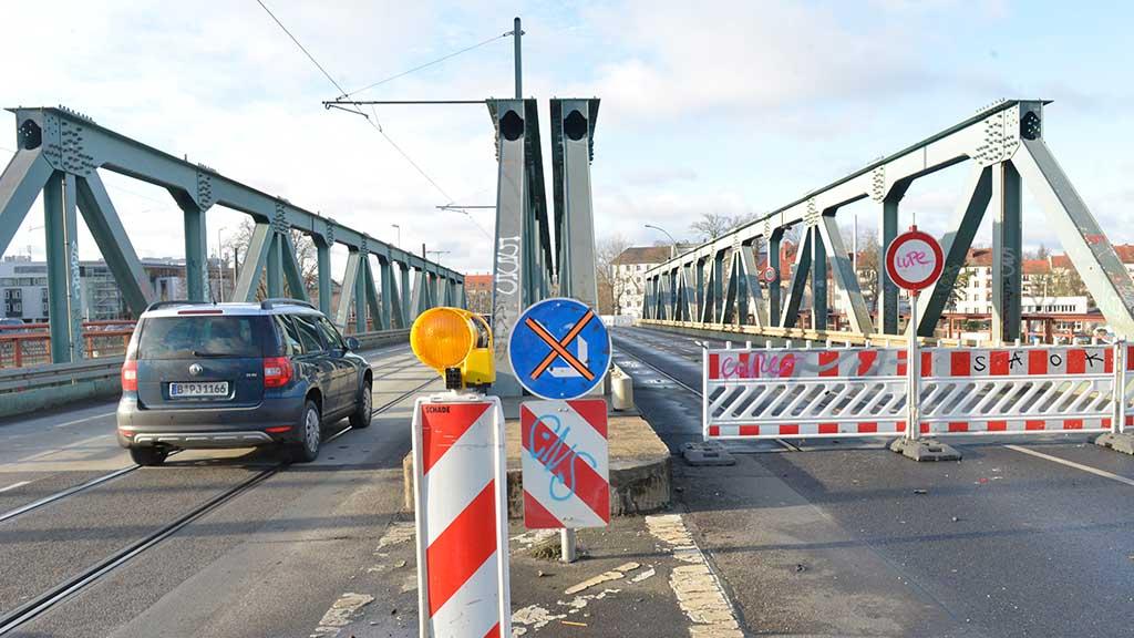 Das Brückenchaos macht sich breit