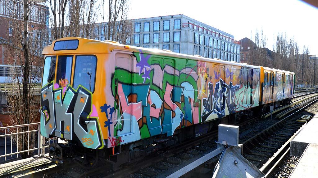 Zug an der Warschauer bekommt langsam Farbe