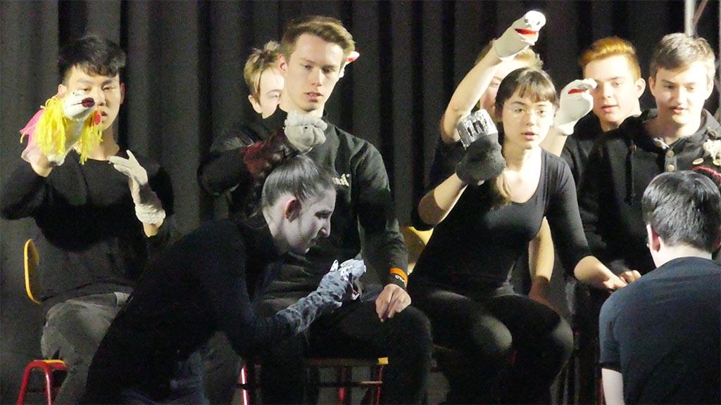 Schülerensembles präsentieren sich zu den 21. Theatertagen