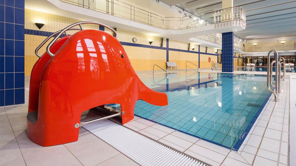 Schwimmen für einen Euro