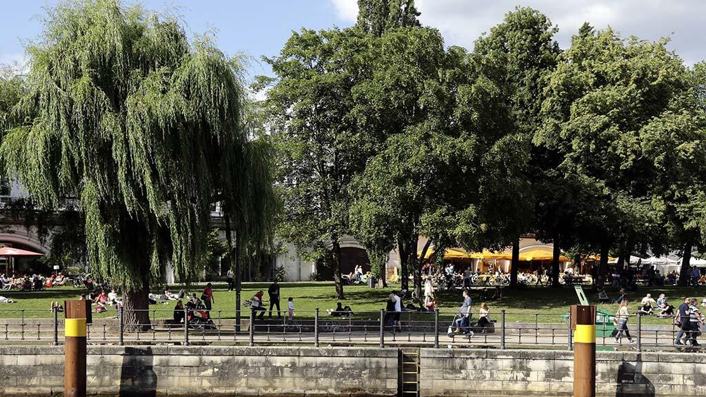 """Monbijou- und Weinbergspark bekommen """"Parkhüter"""""""