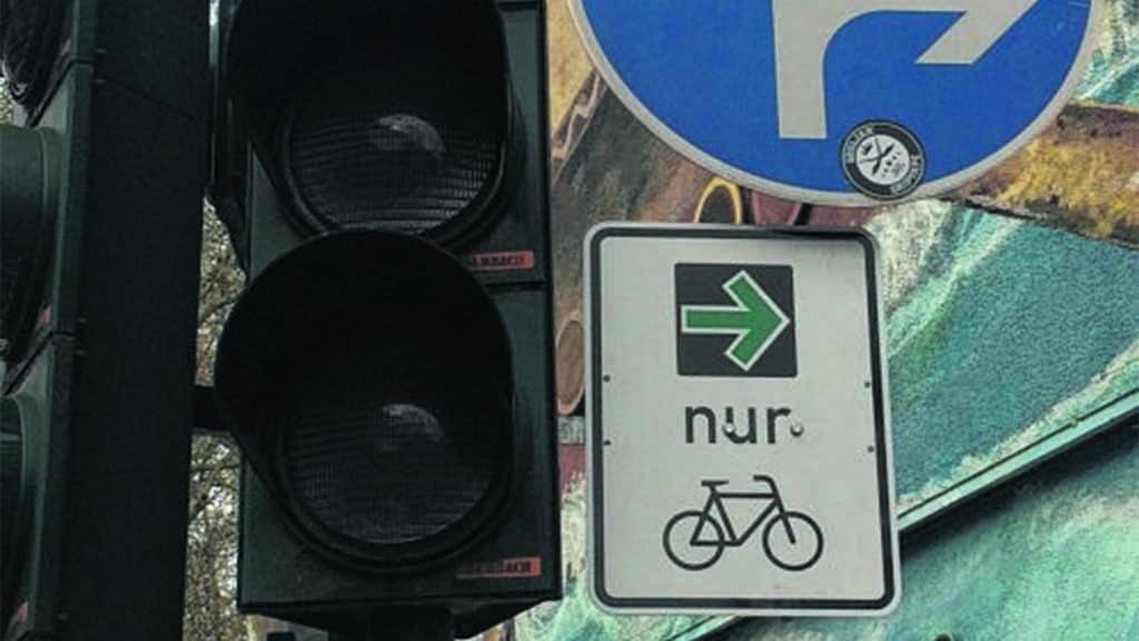 Grüner Pfeil für Radfahrer im Test