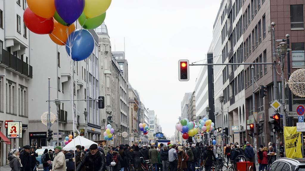 Die Friedrichstraße soll zum Fußgängerparadies werden