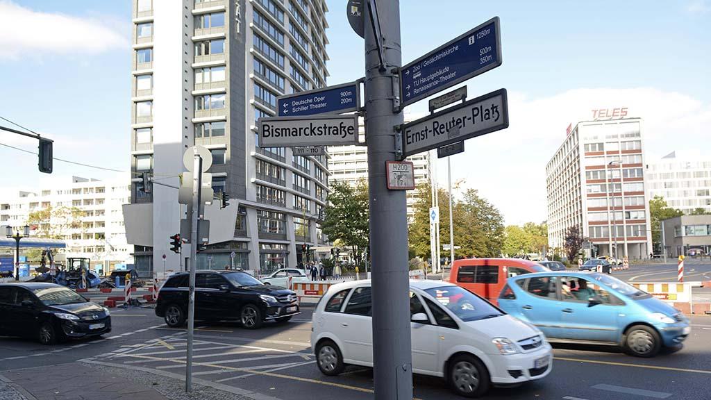 Bauhaus präsentiert sich am Ernst-Reuter-Platz