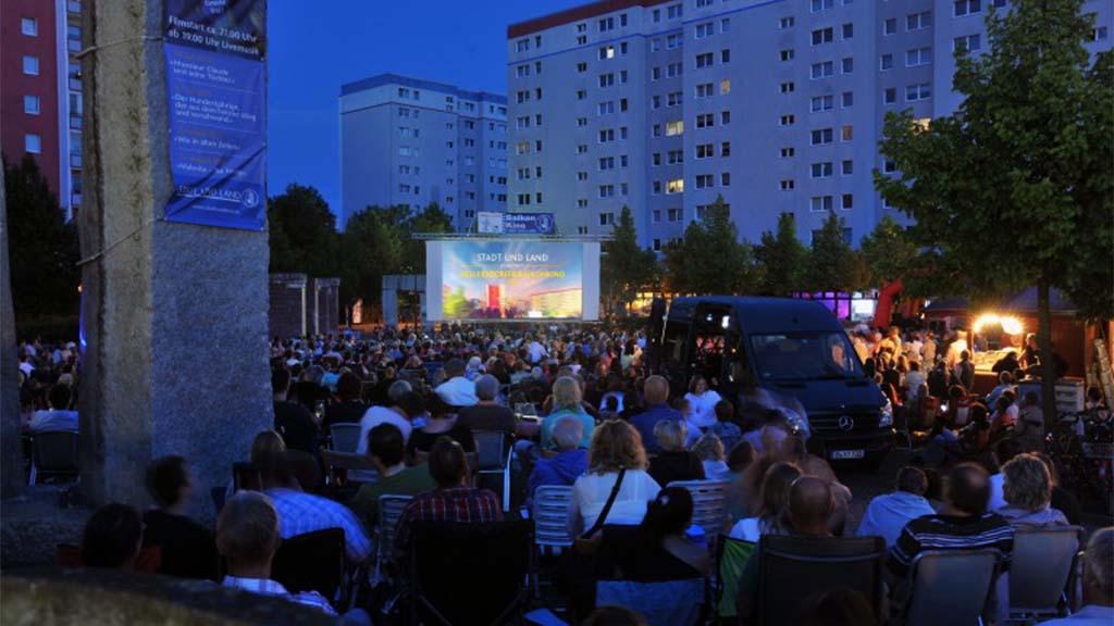 Romantisches Kino-Feeling unter Hellersdorfer Himmel