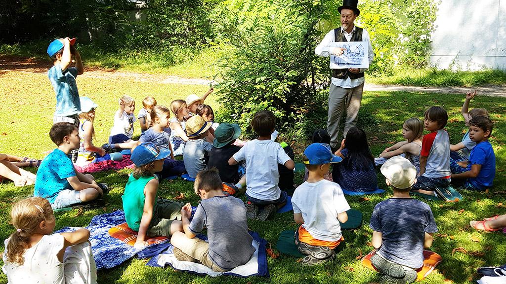 Lese-Vormittage im Grünen für Kinder