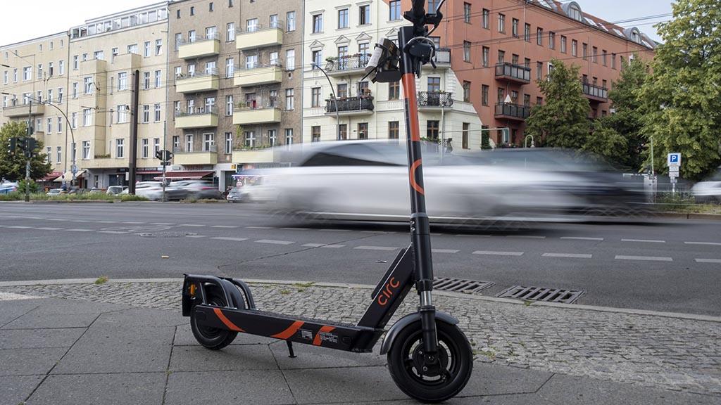E-Roller in Berlin: Kamikaze oder Klimaschutz?