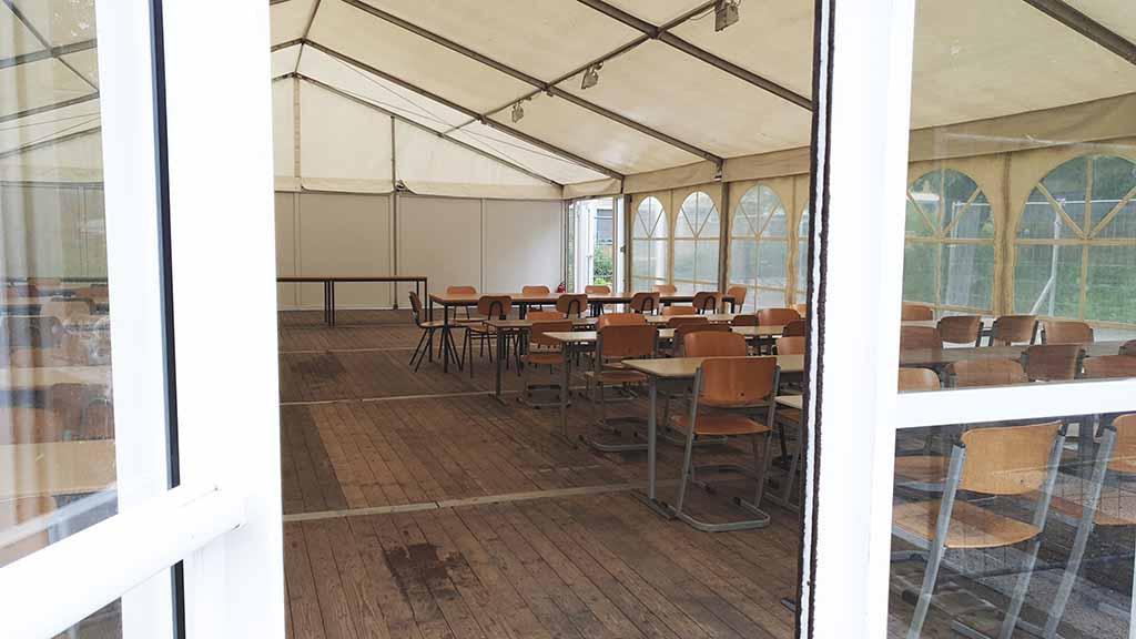Spandauer Grundschüler müssen im Zelt essen