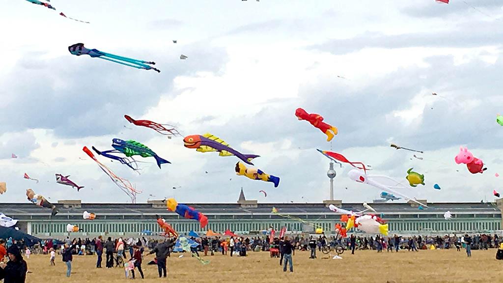 Berlin-Tempelhof: Das Festival der Riesendrachen