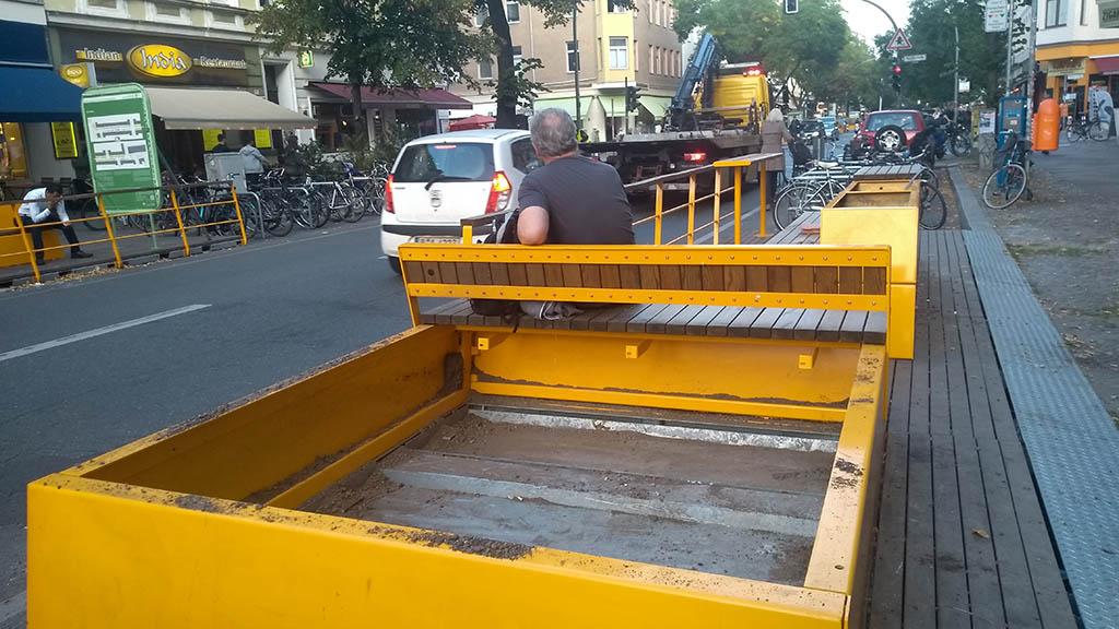Berlin-Kreuzberg: Parklets in der Bergmannstraße werden abgebaut