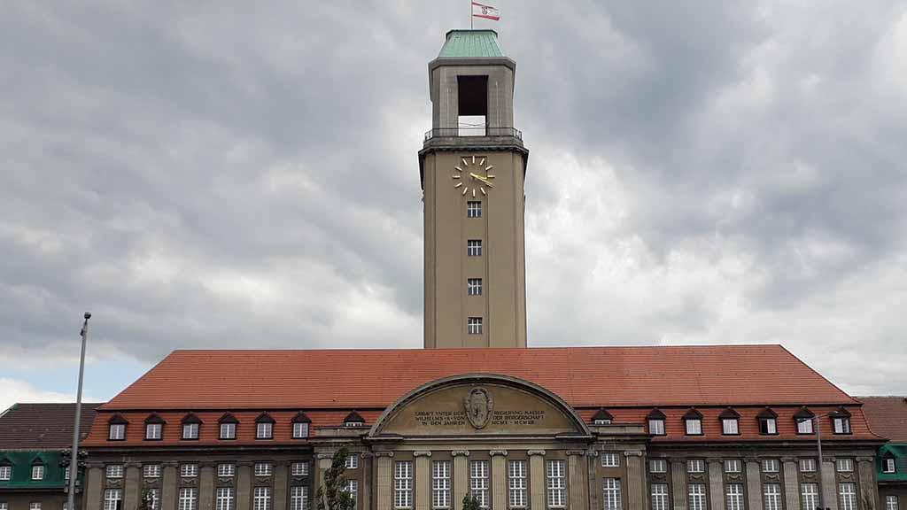 Berlin-Spandau: Bezirk macht Schulden für bessere Bildung