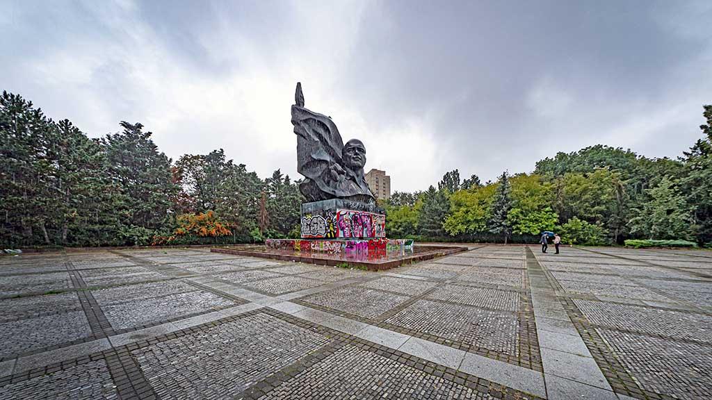 Berlin: Das Thälmann-Denkmal und die Grünen
