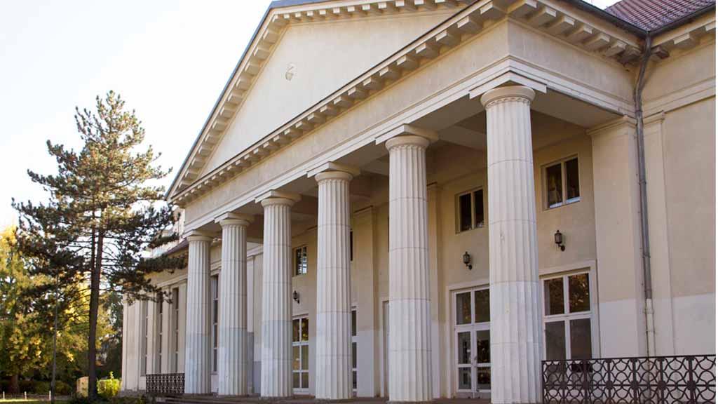 Berlin-Lankwitz: Sanierung von Gymnasium hängt in der Luft