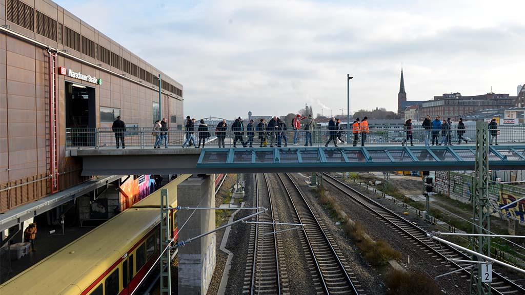 Berlin-Friedrichshain: Lückenschluss an S- und U-Bahnhof Warschauer Straße
