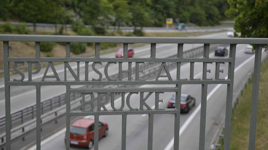 Berlin-Zehlendorf: Die Spanische Allee bleibt braun