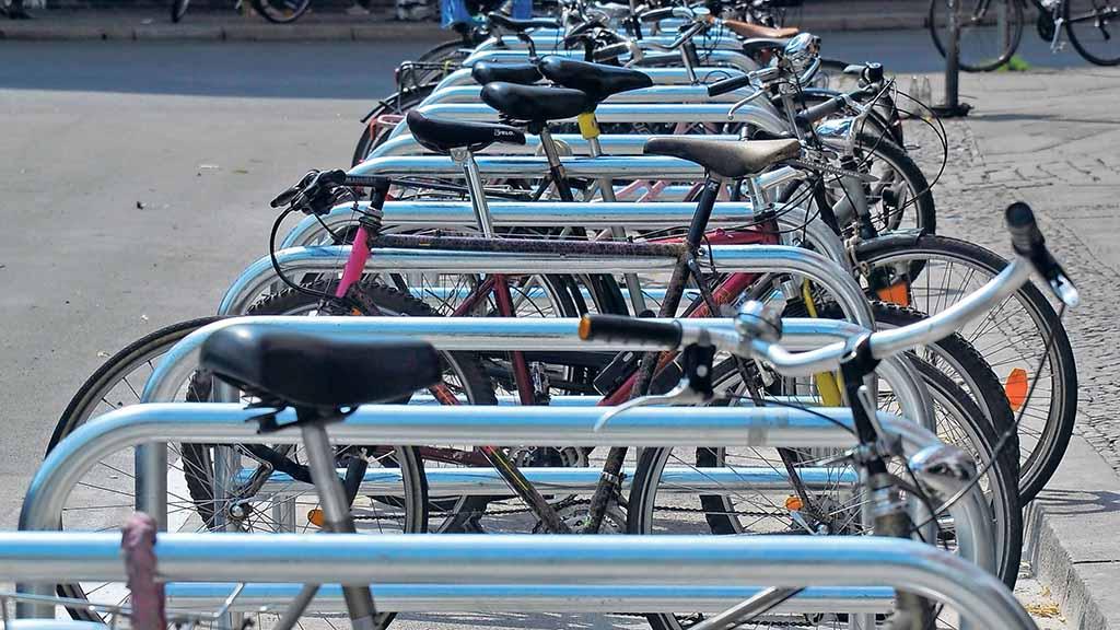 Charlottenburg-Wilmersdorf: Mehr Platz für Fahrräder