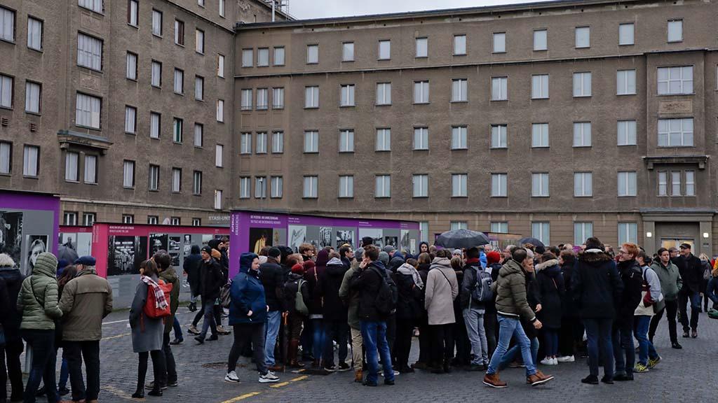 Berlin-Lichtenberg: 30 Jahre danach – Tag der offenen Tür in der Stasi-Gedenkstätte