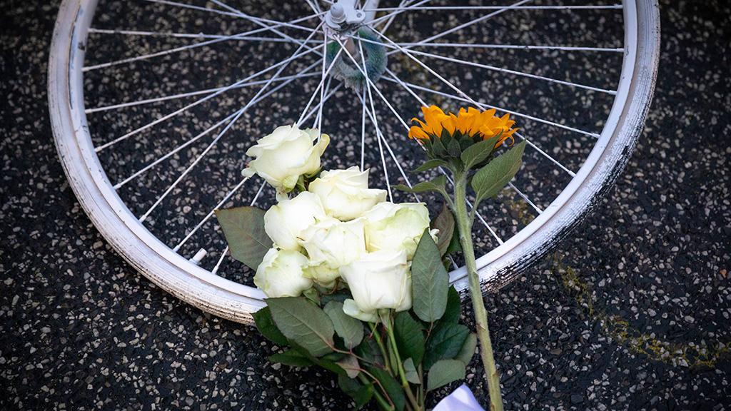 Berlin-Charlottenburg: Radfahrer fordern sichere Kantstraße